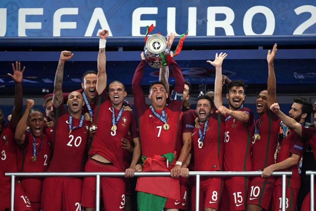 Ronaldo lyfter landets första EM-guld i historien